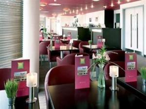 ibis dining room