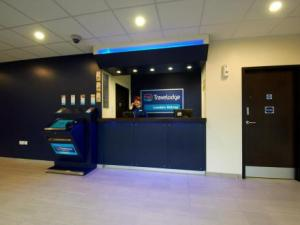 London%20Sidcup_Reception1