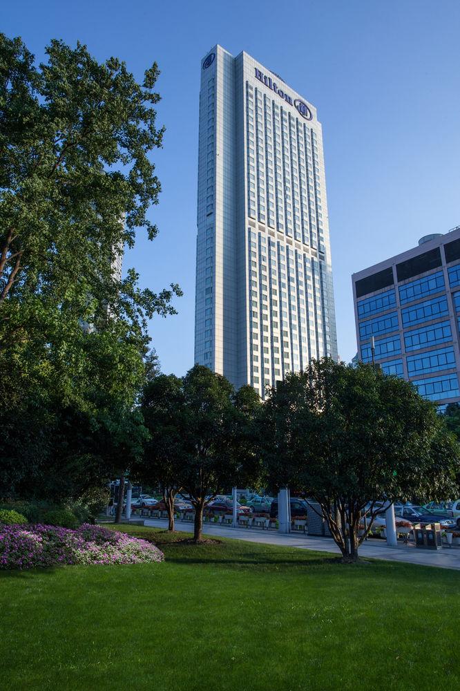 Hilton Shanghai, 250 Hua Shan Road, Shanghai, Shanghai, 200040, China (2/5)