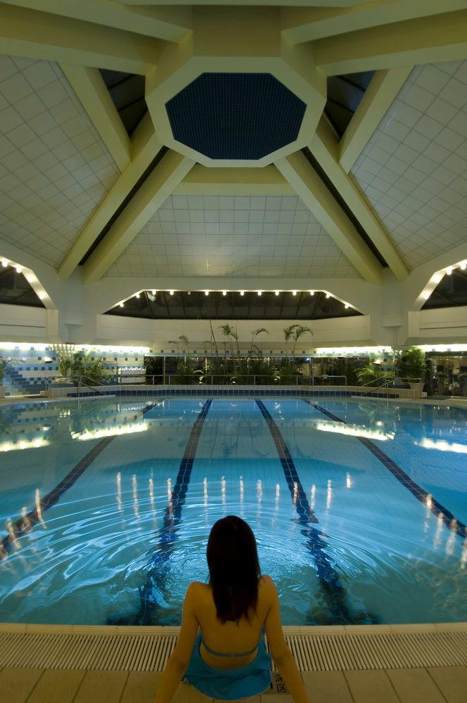Hilton Shanghai, 250 Hua Shan Road, Shanghai, Shanghai, 200040, China (4/5)