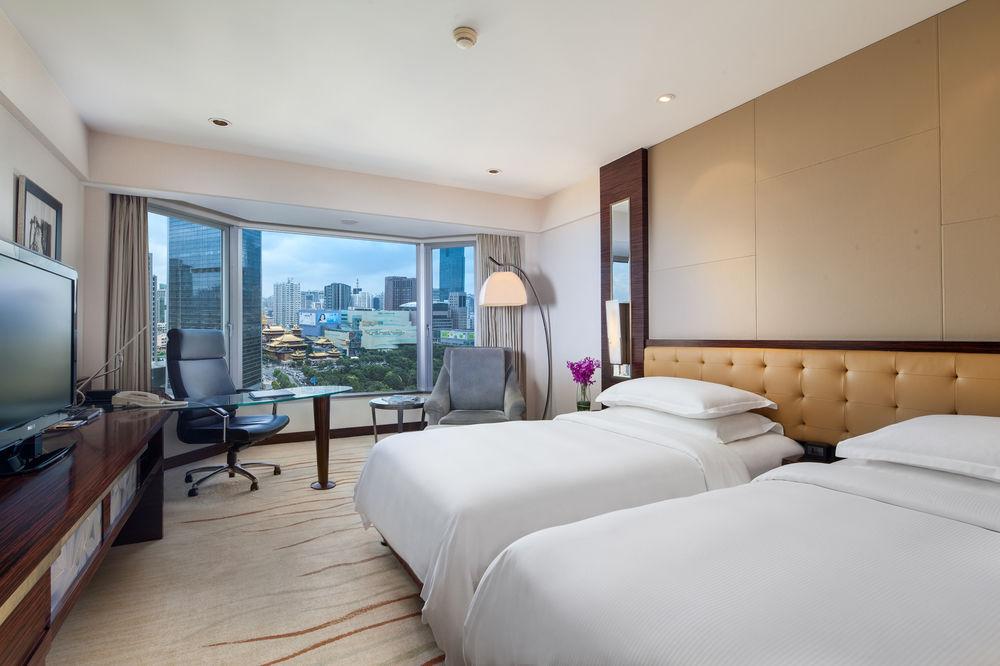 Hilton Shanghai, 250 Hua Shan Road, Shanghai, Shanghai, 200040, China (1/5)