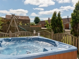 Corner Farm Hot-tub