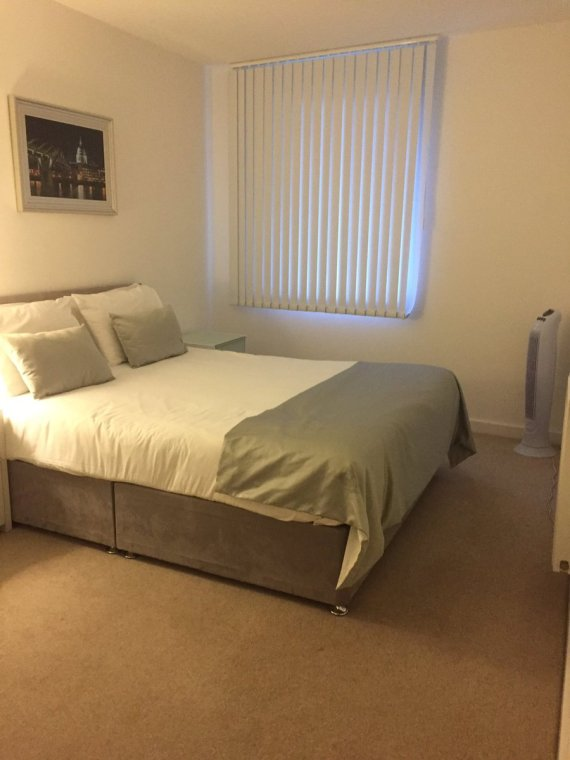 Apple apts bed 2