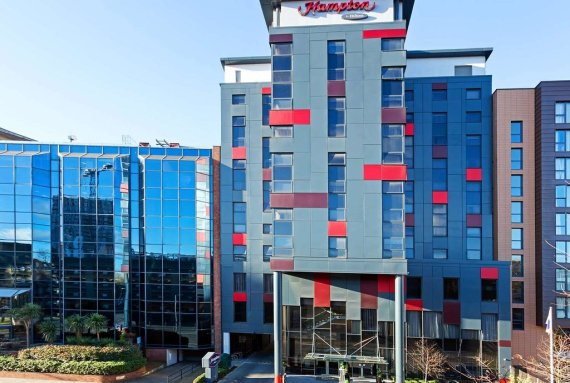 hampton by hilton out day